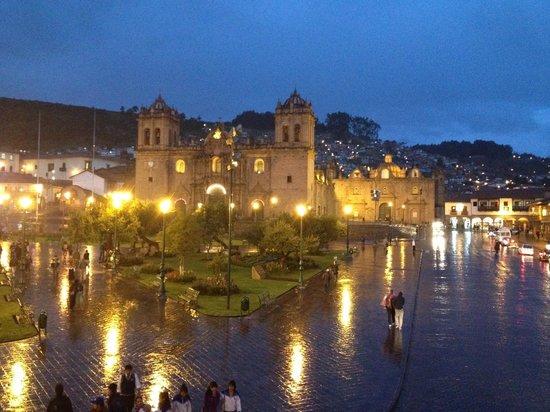 Plaza de Armas Cusco Hotel: vista de la habitacion