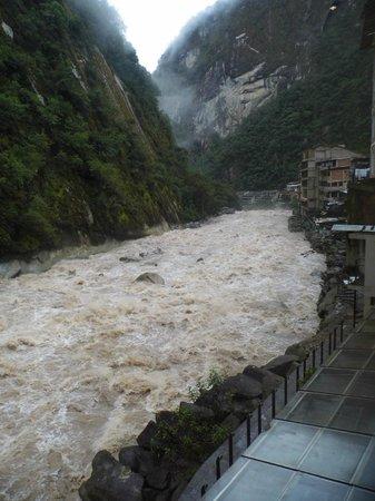 Andina Luxury : Sobre el río !!
