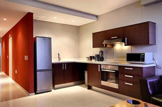 Nkosi Sikeleli 'IAfrica Guesthouses : kitchen
