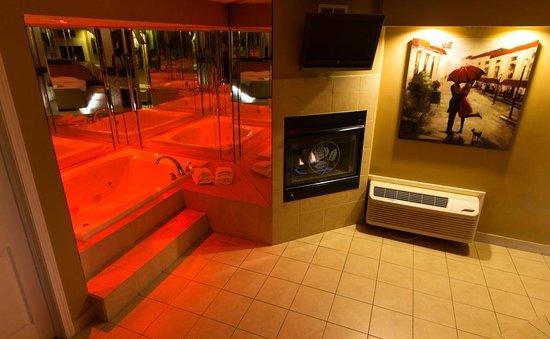 Essence Suites : Whirlpool Suite