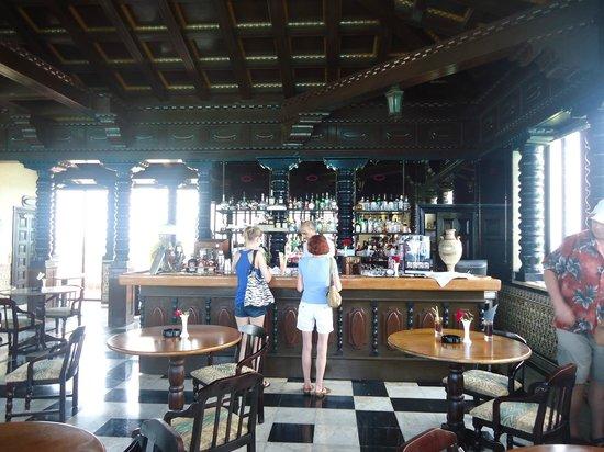 Mansion Xanadu: Bar