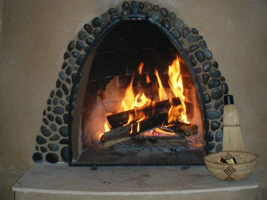 Casa Gallina: Crackling Fire (Romantic!)