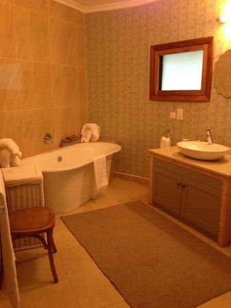 Lilayi Lodge: bathroom
