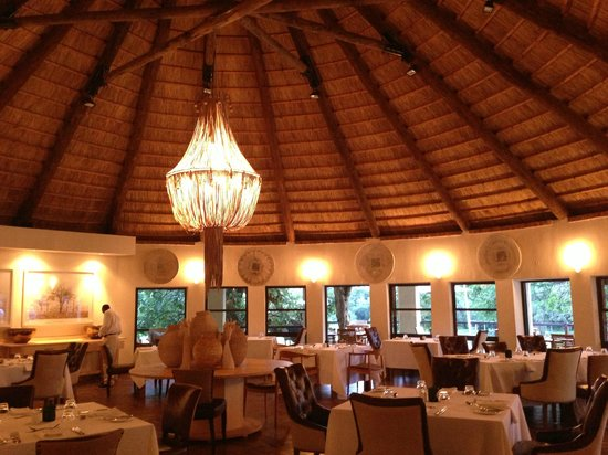 Lilayi Lodge: dining chalet