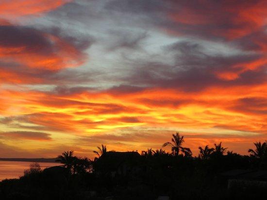 Palapas Ventana : sunrise from our casita