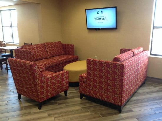 BEST WESTERN PLUS Peoria: Relax after breakfast