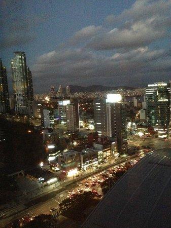 InterContinental Seoul COEX: お部屋からの夜景