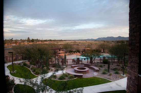 Courtyard Scottsdale Salt River : View from 2nd floor room
