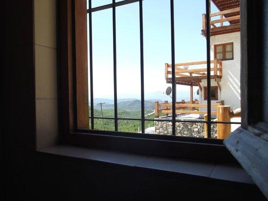 Hostería del Cerro: Vista desde uno de los baños