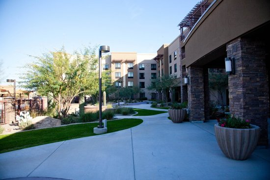 Courtyard by Marriott Scottsdale Salt River : Outside area