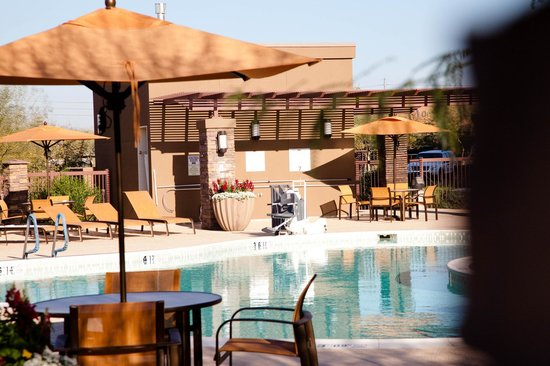 Courtyard by Marriott Scottsdale Salt River : Pool