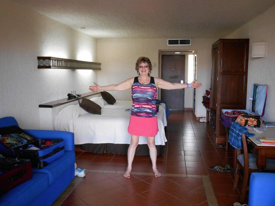 Hotel Playa Mazatlan: OUR ROOM
