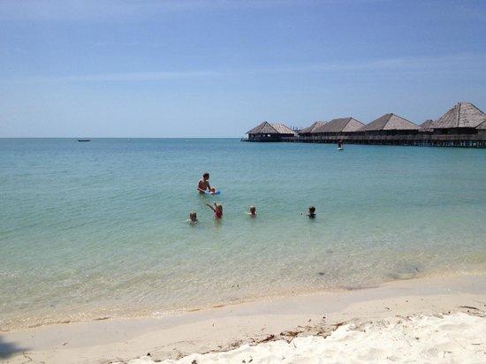 Telunas Resorts - Telunas Beach Resort: Beach view