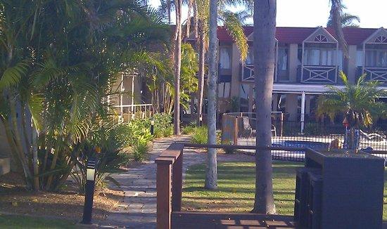 Waters Edge Port Macquarie: Breakfast on the deck