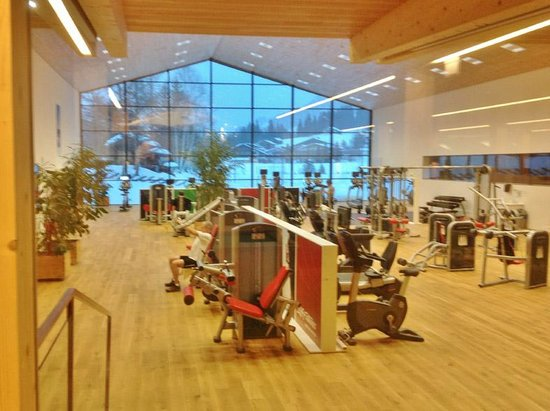 Hotel Petersboden: Gym with a View! Sport.Park, Lech
