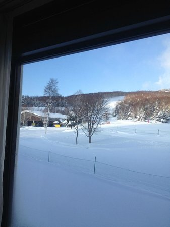 Shiga Kogen Prince Hotel: View of chair lift from room