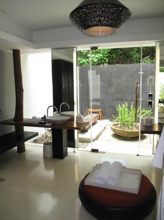 Park Hyatt Maldives Hadahaa : Park Villa bathroom