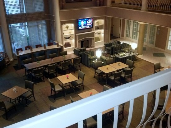 La Quinta Inn & Suites Houston Galleria Area: breakfast in the lobby