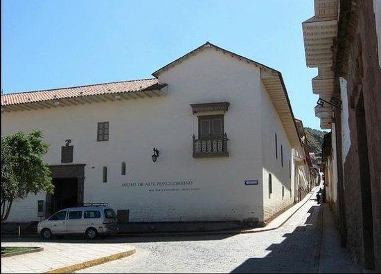 Pre-Columbian Art Museum: exterior