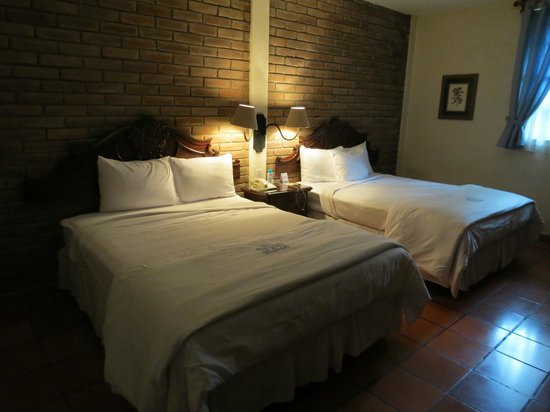 Hotel El Convento: Typical room