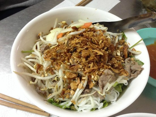 Vietnam Awesome Travel: Bun Bo beef noodles