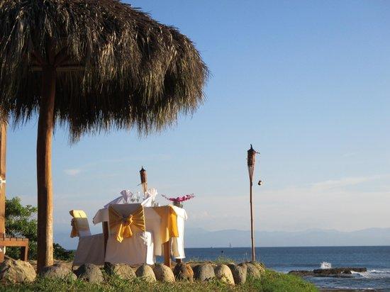 The Royal Suites Punta de Mita: Romantic dinner on the beach ($200USD)