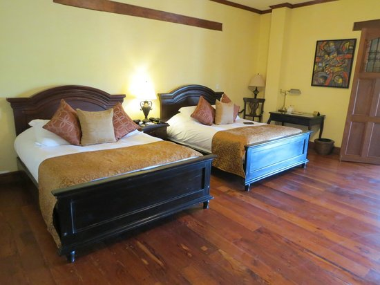 Hotel Plaza Colon: Extremely comfortable beds