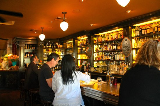 Underwood Bar & Bistro: Fun, local, colorful characters!