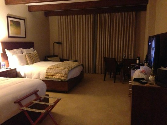 The Ritz-Carlton, Dove Mountain: Room with 2 QB