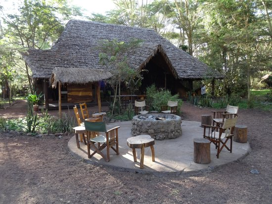 Migunga Tented Camp : Fire pit for the evenings