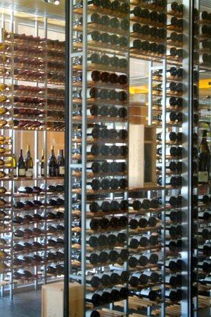 Lynmar Estate Winery: Tasting Room