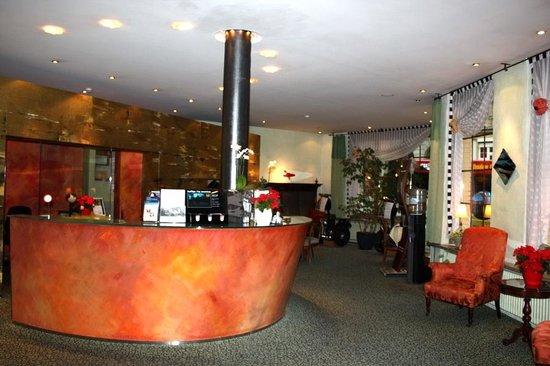 Hotel Interlaken: Доброжелательный ресепшн