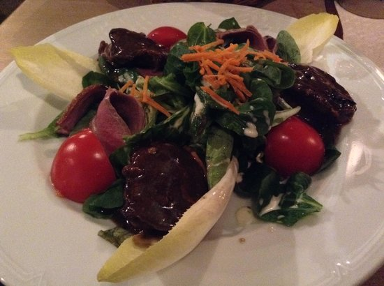 Gaststätte Nürnberger Bratwurst Glöckl am Dom: 鴨のスモークとレバーのサラダ