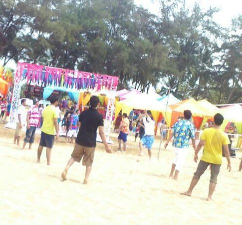 The LaLiT Golf & Spa Resort Goa: The beach Party