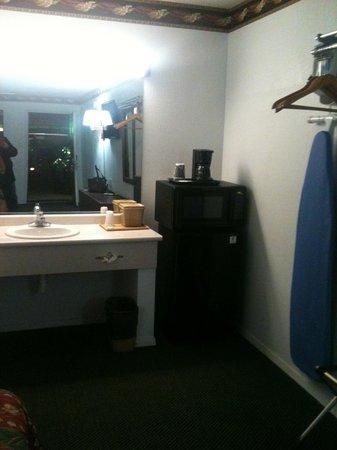 Regency Inn Gatesville: Bathroom area