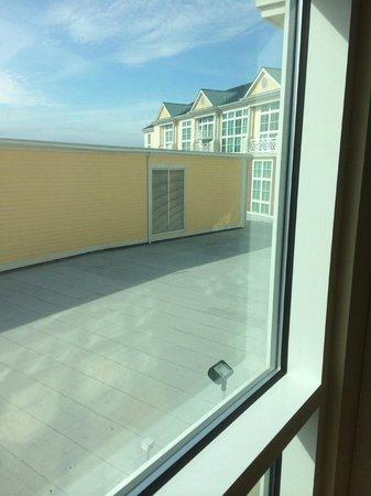 Island View Casino Resort : Room View (right)