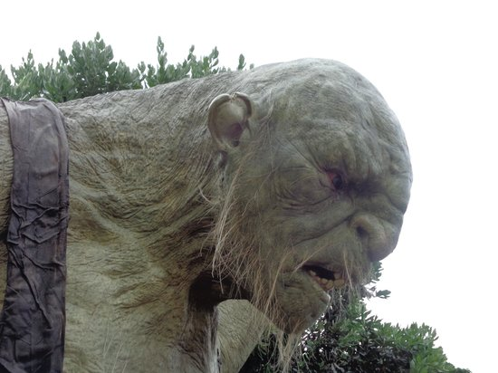 The Weta Cave : One ugly statue