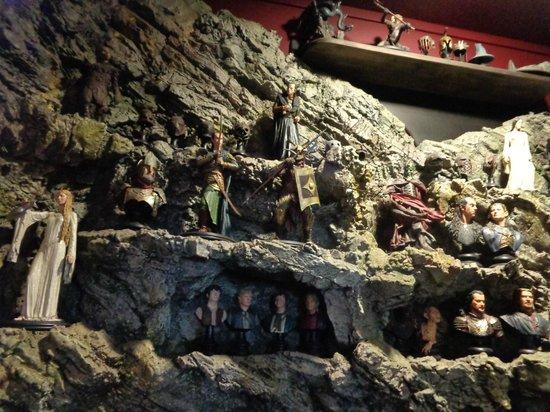The Weta Cave : Weta Miniatures