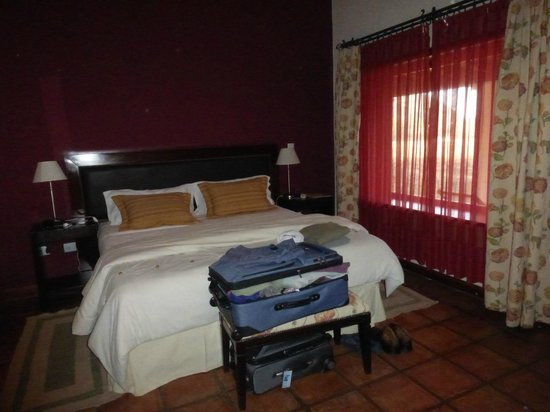 Vinas de Cafayate Wine Resort: comfortable bed, big room