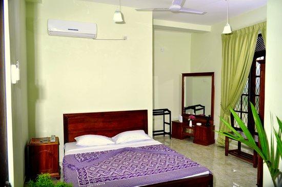 Hotel Sunrich: Standard DBL Room