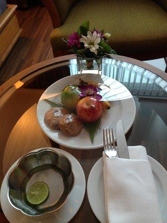 Bangkok Hotel Lotus Sukhumvit: 歡迎點心非常棒~