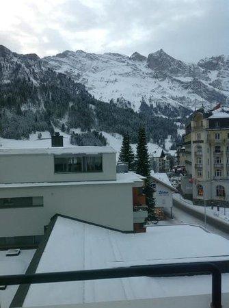 H+ Hotel & SPA Engelberg: vue depuis la chambre