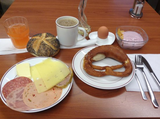 Gaestehaus Sleps: 朝食