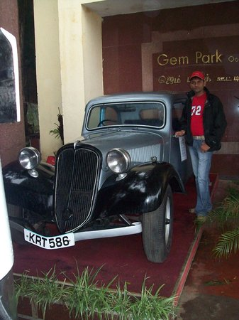 Gem Park-Ooty: Main Gate to enter Hotel
