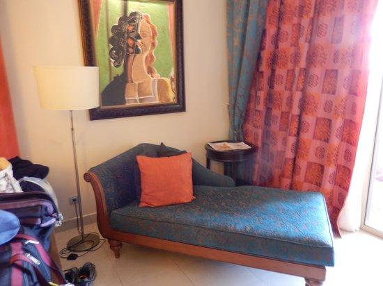 Iberostar Grand Hotel Rose Hall : lounge chair in room