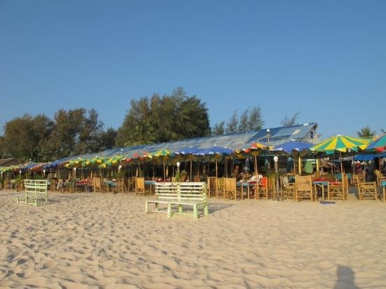 Angsana Laguna Phuket: the Green Leaf beach cafe, Angsana Laguna resort