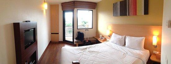 ibis Hua Hin: 房間就是這樣大,但是該有的都有!