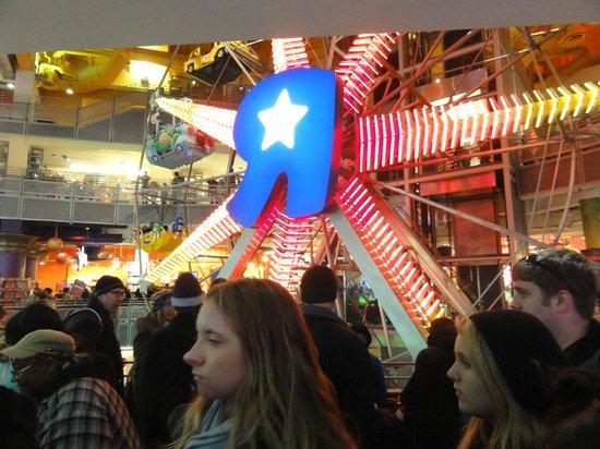 Toys 'R' Us Times Square: interior da loja