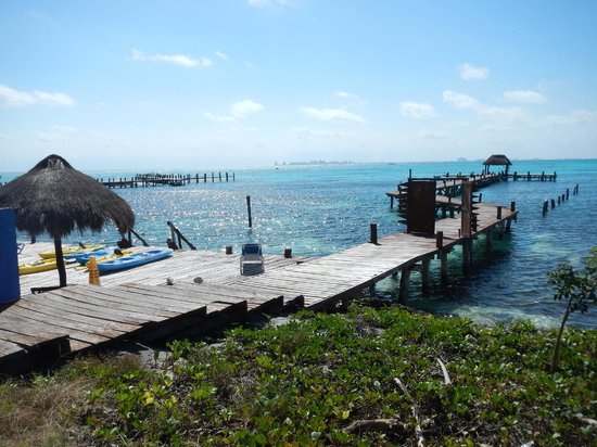 Casa de los Suenos: Hotel Dock and Beach lounge