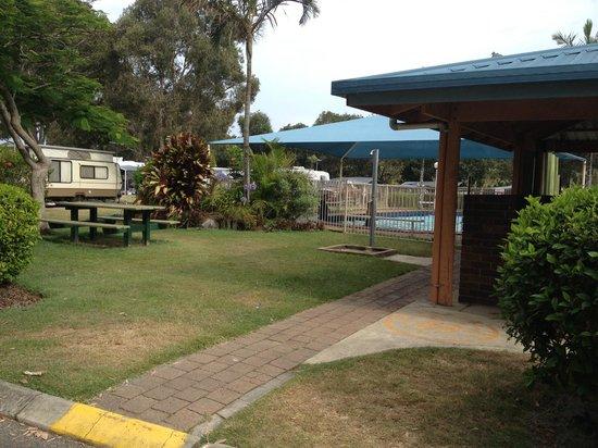 grounds picture of mudjimba beach holiday park mudjimba. Black Bedroom Furniture Sets. Home Design Ideas